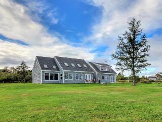 Lovely oceanfront home w/ lighthouse view and beach access!, Lubec