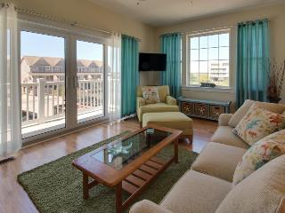 Charming townhouse w/ shared pool & stunning bay views!, Ocean City