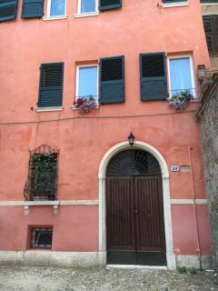 facciata ingresso palazzo