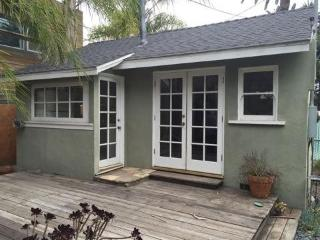 (#353) 1 Bedroom 1 Bath Steps to Abbot Kinney, Los Angeles
