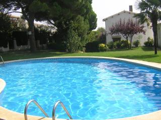 Casa  piscina comunitaria y acceso a playa privada, Tossa de Mar
