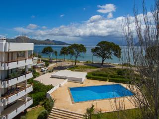 Luxury apartment with pool in front of the sea!, Port de Pollença