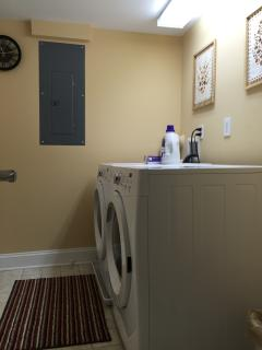 HE front-loading washer/dryer