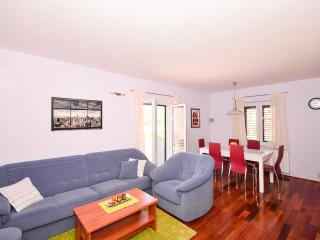APARTMENT MILJAS