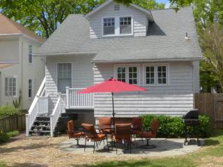 Charming Home close to historic district