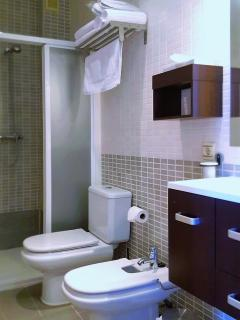 Complet bathroom with walk-in type shower