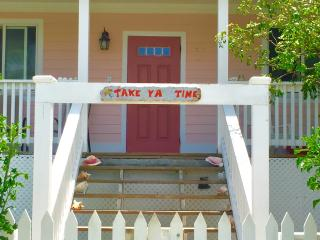 Cute, Quaint & Safe - Take 'ya' Time Cottage, Governor's Harbour