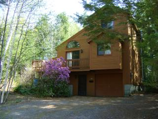 Custom House, Short Walk to Beach, Moultonborough