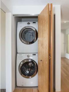 Convenient washer/dryer