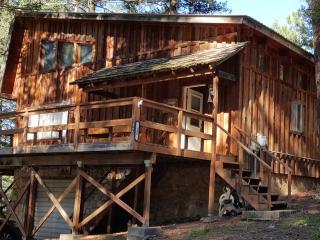 3 bdrm w/ loft, 3 bath cabin for short term rental, Cloudcroft