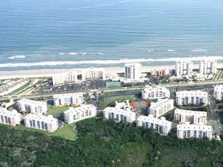 Kate's Places@Oceanwalk - Luxury Gated 3B/2B Condo, New Smyrna Beach