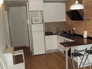 Cozy Apartment close to Barça Stadium, Barcelona