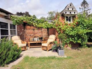 STOMI Cottage in Blandford For, Fontmell Magna