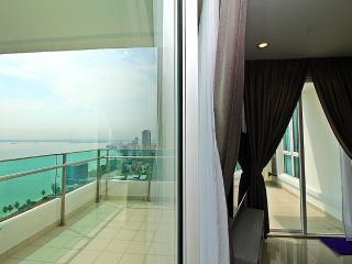 X) Sea View 2 Rooms Suite In George Town_Luxury