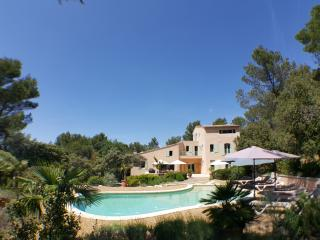 Large property for up to 8, Les Magnanarelles, Lourmarin