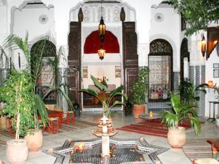 Beau Riad au cœur de la médina, Fez