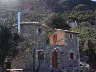 Castello, Ermones