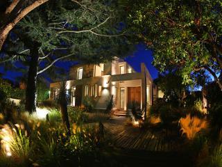 Modern three bed Villa close to St Tropez centre., St-Tropez
