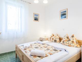 Apartments Mia(Ap4)-island Molat