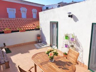 Casa Serenè con terrazzo privato e cucina, Monte Sant'Angelo
