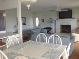 Ocean Front Dream Beach Cottage, Pets OK, Only 3 outside steps, no inside steps