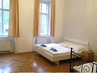 Central 3 bedrooms City Apartment Müllnergasse, Wien