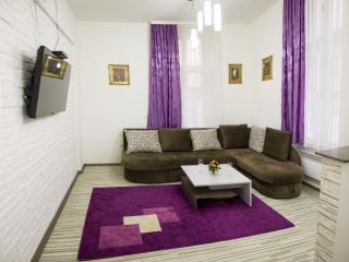 Corso Apartments - Amethyst