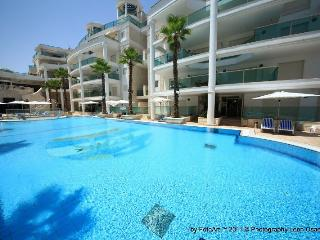 Nice garden apartaments in Luxury Complex