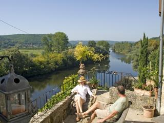 BEYNAC RIVER & CASTLE VIEWS, WALK to SHOPS+CAFES, Sarlat-la-Caneda
