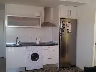 Modern apartment close to the beach & restaurants. WIFI and clima available, Torrevieja