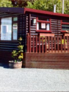 2 Bed chalet North Wales fishing golf course nearby set in the foothills of Snowdonia National Parks
