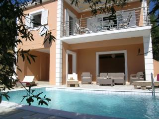 House with private pool, Finikounda