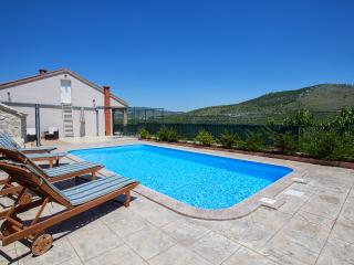 Holiday villa Anna, Prgomet