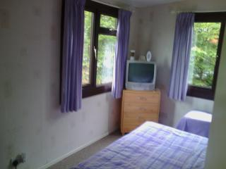 2 Bed Chalet  in North Wales 2 mile from sea golf, Borth