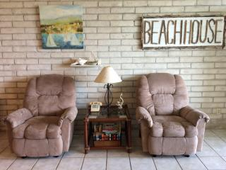 Casa Linda, beachfront, ground floor condo!, Port Aransas
