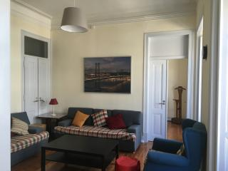 NEW! Refurbished Kings Apartment, Lissabon