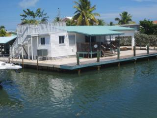 Florida Keys, Private Fishing Compound, Dock and boat Basin in the Florida Bay, Conch Key