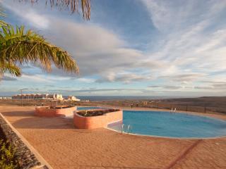Villa castillo océano volcanes jacuzzipalestra, Caleta de Fuste