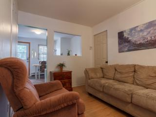 Cozy 3BR in Downtown Montreal