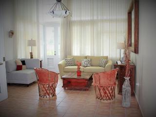 4 Story Beach Villa, Romantic & Relaxing Rustic, Dorado