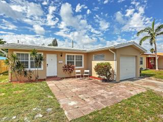 New Listing! Lovely 5BR Hollywood House w/Wifi, Patio & Gas Grill - Easy Access to Downtown Hollywood, Young Circle, Hollywood Beach & Much More!
