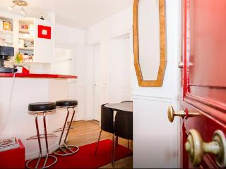 Charming 2-room apartment, 300m from Eiffel Tower