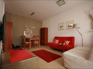 Two bed. apt. INFLANCKA, Varsovia