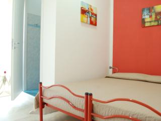 Dimora Girasole - camera matrimoniale 'LUNA'