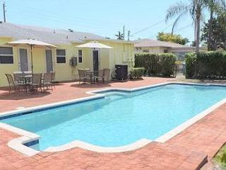 ALL NEW 6/6 FOR 16 HUGE HEATED POOL CLOSE BEACHES, Hollywood