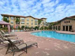 Fantastic 3 bed 3 bath condo with resort amenities, close to Disney World!
