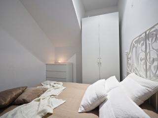 Gaudi Apartments Bajos, Barcelona