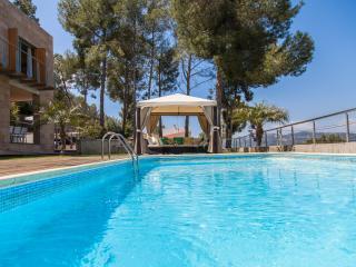 Villa Viste Verde/10 minutes Sitges pour 8/14 pers. Moderne. Terrace 300 M2. Vue, Olivella