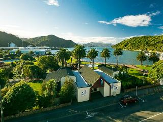 Seaview Apartments, Picton