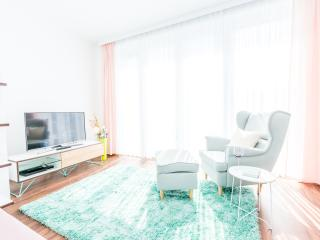 Deluxe 2 Bedroom Apartment with Private Balcony #6, Viena